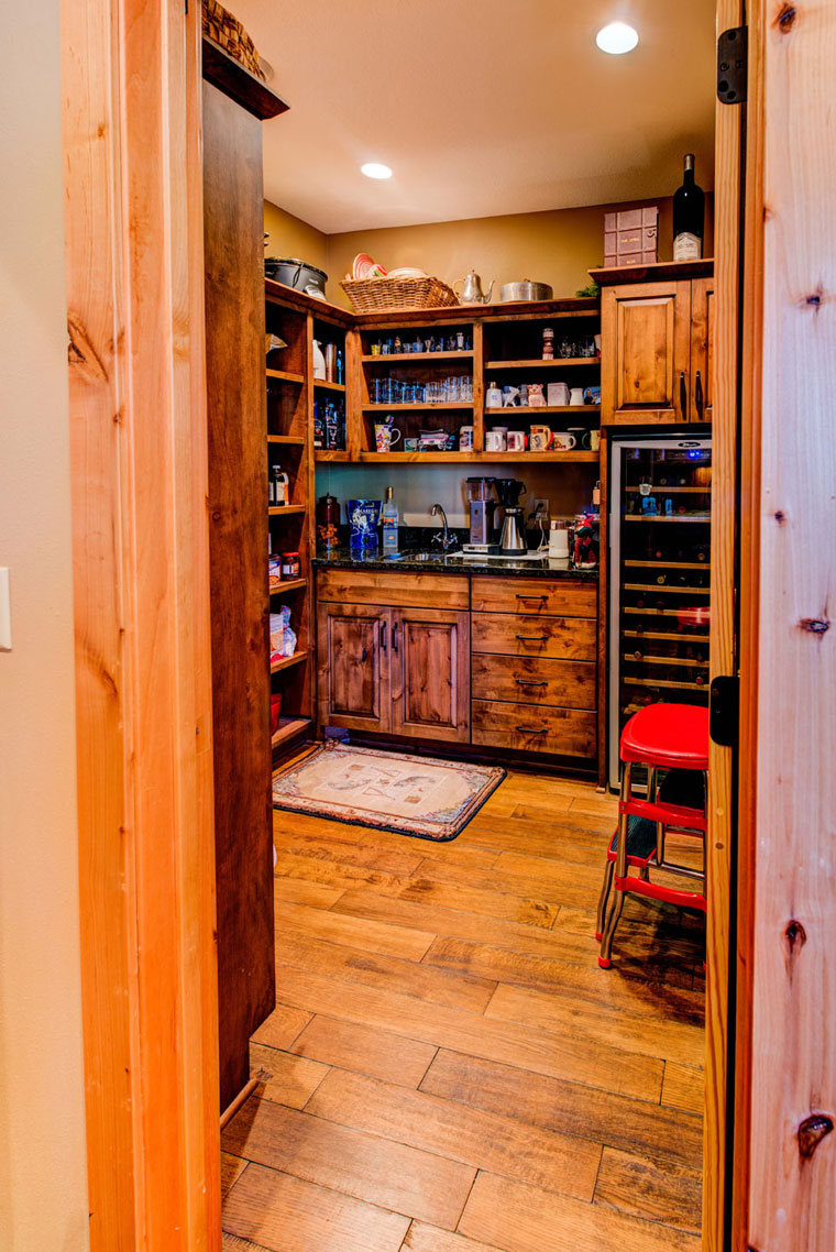 Butler's-pantry-with-wine-storage