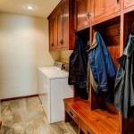 Mudroom-with-bench-&-lockers