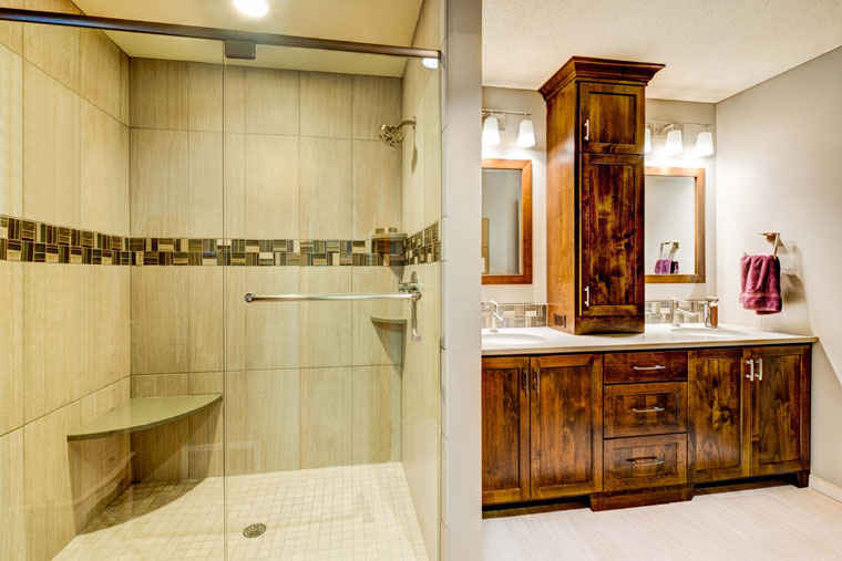 Spa-bathroom-with-tiled-shower